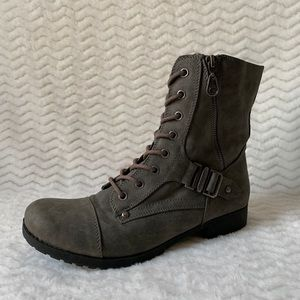 G by Guess Gray Faux Leather Lace Up boots 9.5